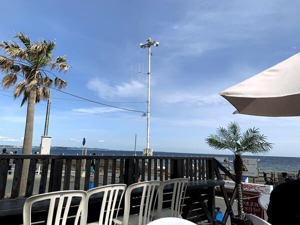 茅ケ崎 サザンビーチ カフェ ジタンのテラス席